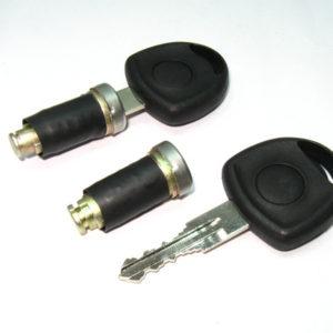 8027-JUEGO CILINDROS PUERTAS CORSA  (s/alarma - groove izq.)